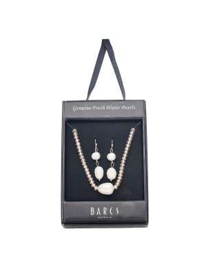 FRESHWATER PEARL AND CRYSTAL NECKLACE AND EARRING SET